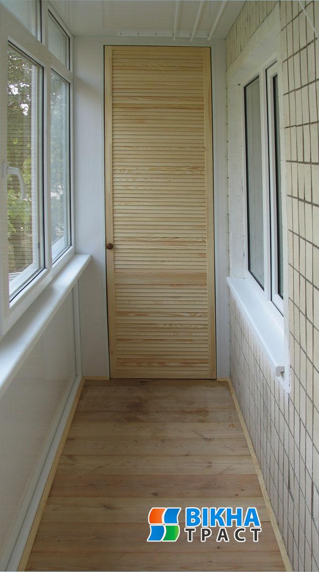 Пол и шкаф на балкон.