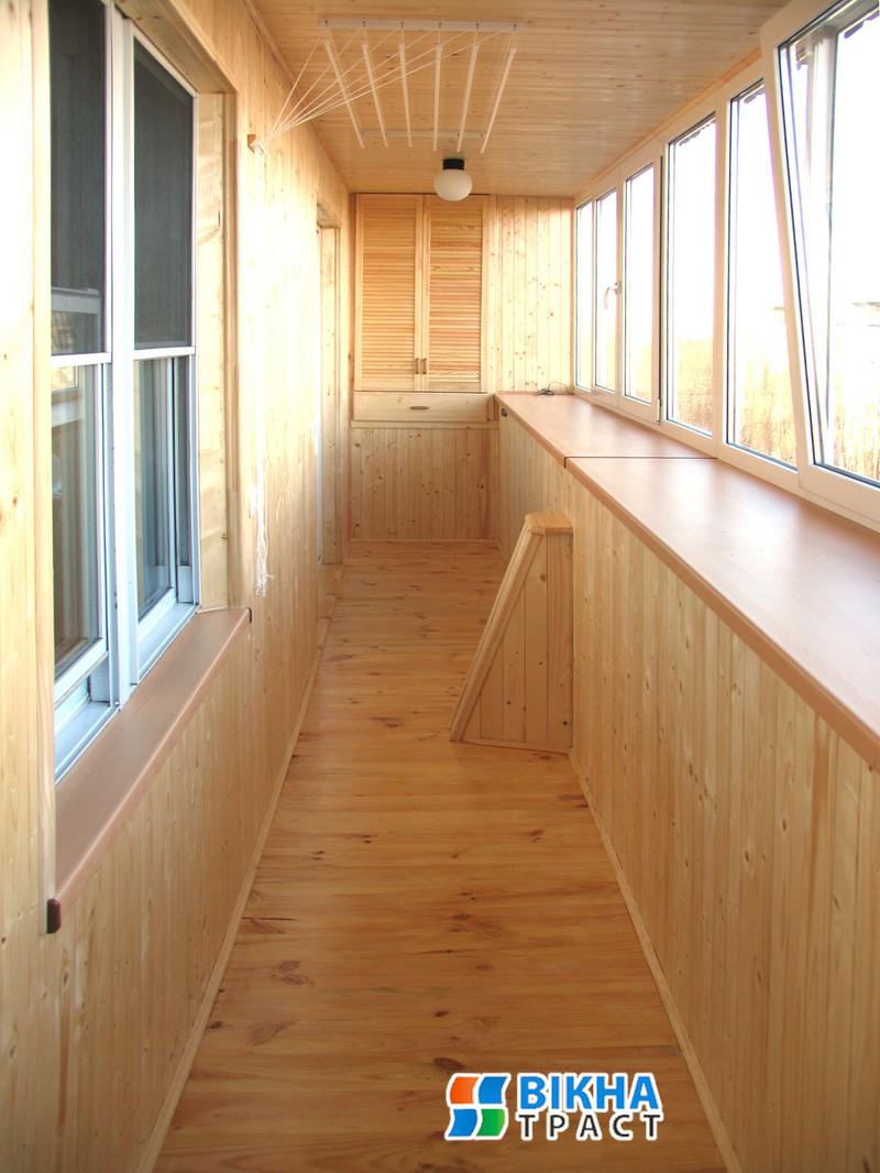 Обшивка балконов и лоджий натуральным материалом на оболони..