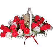 Мишка в розах-букет из конфет