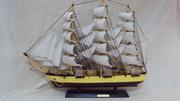 Модель деревянного парусника