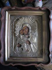 Предлагаю старинную икону Владимирской Богородицы в посеребренном окла
