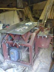 продам профессиональный деревообрабатывающий станок