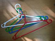 Продам  пластмассовые вешалки для одежды  бу