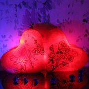 Светящаяся подушка - Романтический светильник ночник в форме сердца.