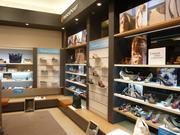 Торговая мебель для магазинов,  островков, бутиков, салонов