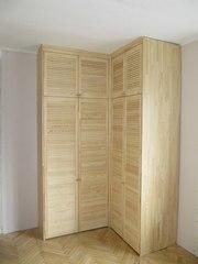 шкаф из дверей жалюзи
