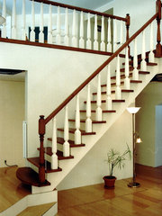Изготовление деревянных лестниц.