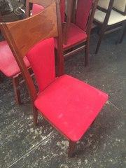 Продам червоні стільці бу