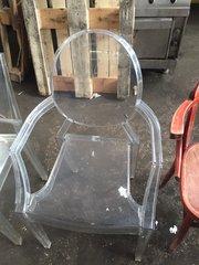 Продам прозрачные стулья бу из пластика