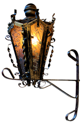 Кованый светильник под старину СЖ-2 на кронштейне