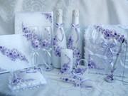 Свадебные наборы: бокалы,  шампанское,  свечи,  подушки