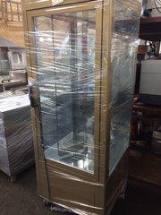 Продам вертикальную кондитерскую витрину бу