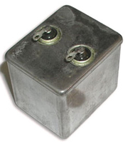Конденсатор МБГЧ - 1,   10 мкФ 250 в .  пусковой