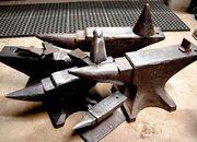 Ковка куется на наковальне,  отливки из металла технические,  запчасти