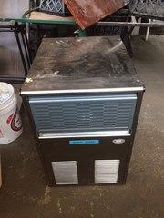 Продам льдогенератор бу BarLine B 31 AS