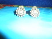 Продам новые, стильные, металл, под старинную бронзу, клипсы с кристаллами