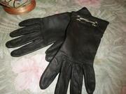 Продам женские перчатки из натуральной кожи, матового чёрного цвета.