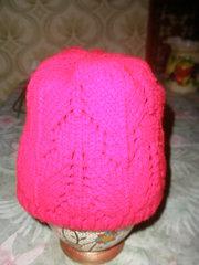 Продам шапку женскую, зимнюю, вязанную двойной вязкой, орнамент, вишнёвую.