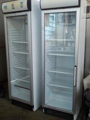Холодильный шкаф б.у под стеклом.