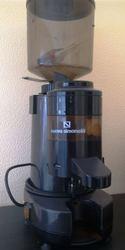 Кофемолка б.у  Nuova Simonelli RR45 для кофейни,  бара,  ресторана.