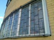 Решетки металлические, защитные на окна и двери.