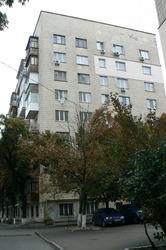 Продам 3-комнатную квартиру на Печерске (центр)