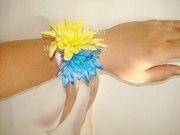 Цветочный браслет на руку из живых цветов,  браслет для невесты или сви
