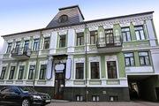 Здание в Киеве,  фасадное.