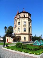 Здание под ресторан,  клуб в центре Киева.