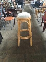 Табурет круглый  б/у из бамбука с мягким сидением для кафе,  бара