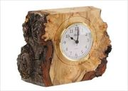 Часы настольные вырезанные из капа дерева. Под заказ.