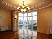 Квартира расположена в Печерском районе,  Киева.