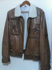 Куртка короткая,  кожа,  натуральных мех