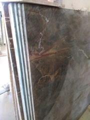 Мраморные балясины в сочетании с мраморными  ступенями и перилами